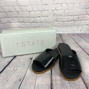 Black leather sandal, size 7